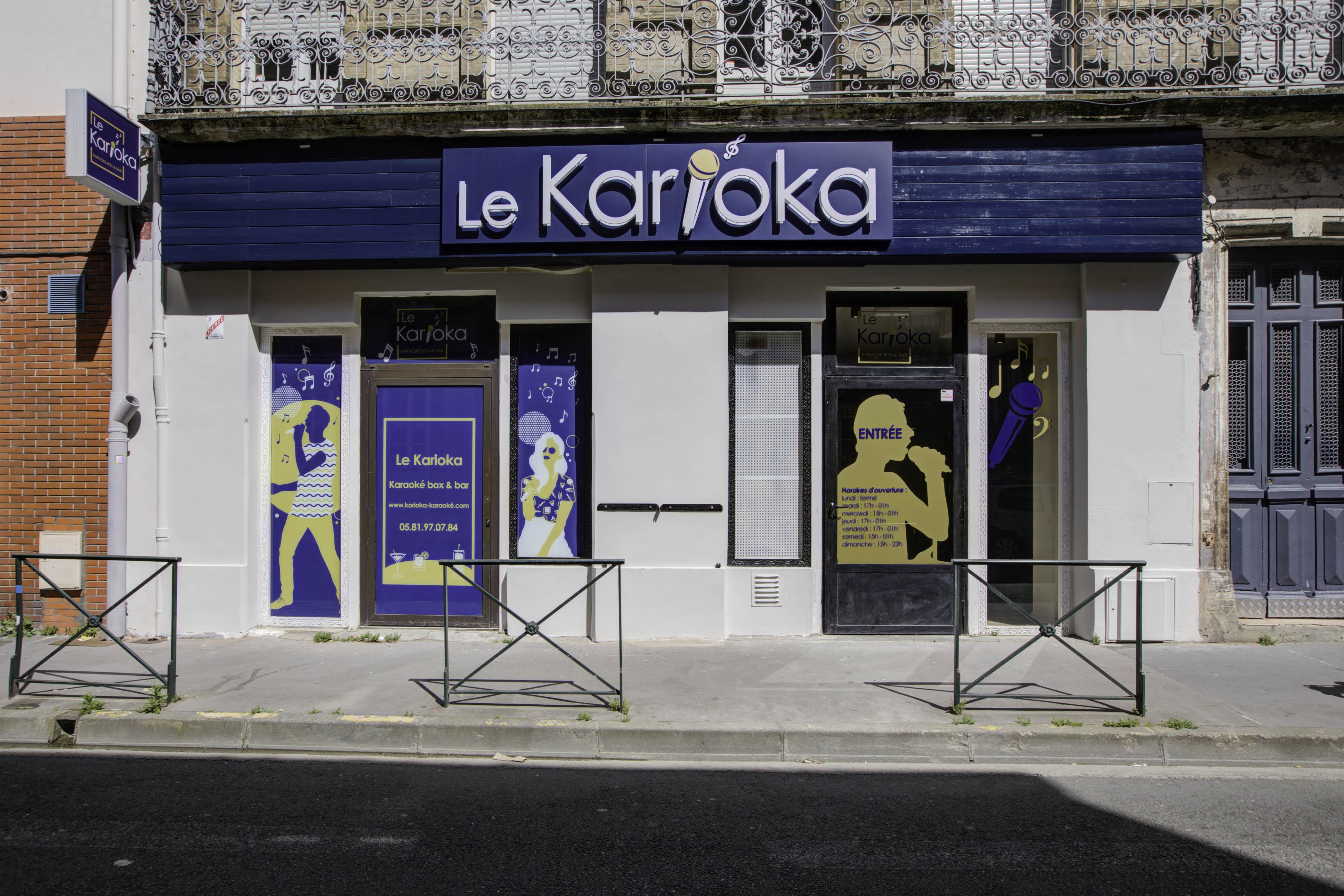 Façade rénovée du bar Karaoké le Karioka à Toulouse