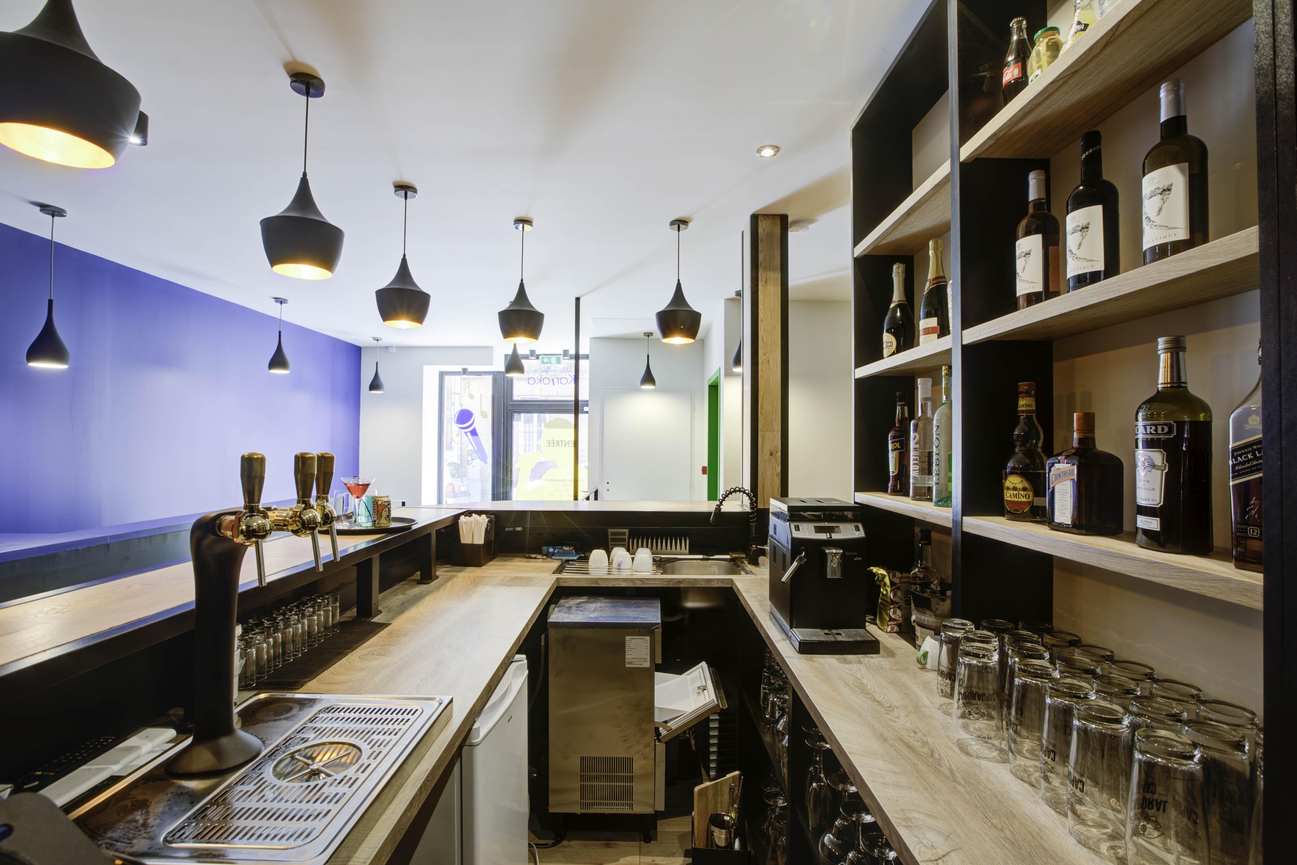 "Création d'un bar Karaoké box sur Toulouse ""le Karioka"" Box karaoké espace Bar"